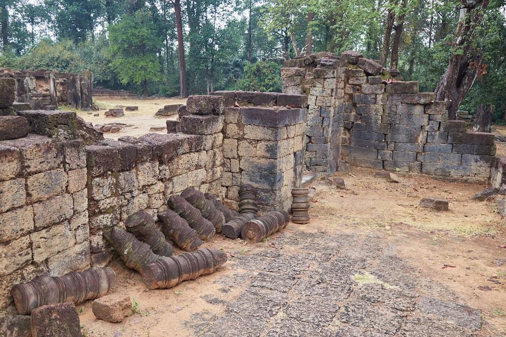 Preah Ko Cylindrical Columns